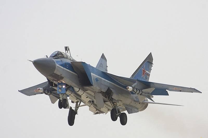 «Угроза южному флангу»: в НАТО встревожены размещением российских МиГ-31К в Сирии