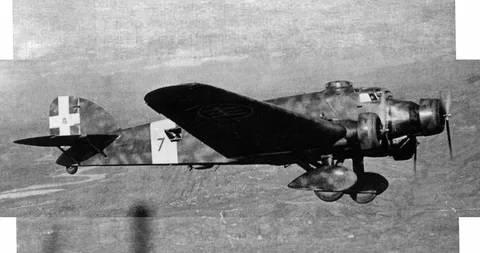 Боевые самолеты. Живучая «Летучая мышь», которая спасла мятеж генерала Франко