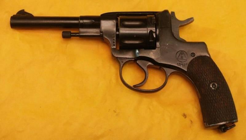 «Наган» – револьвер, винтовка и… автомобиль!