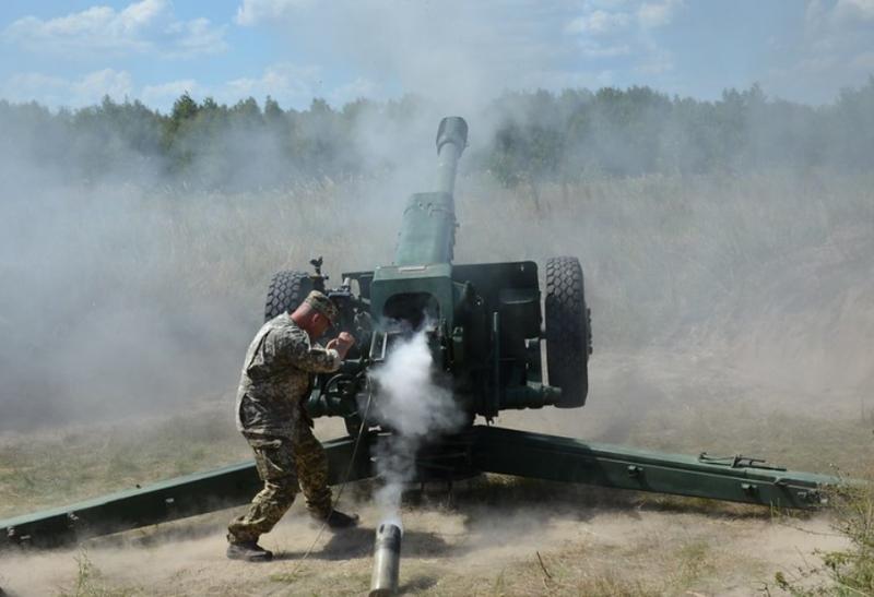 «Плюс-минус километр»: Экс-генерал ВСУ назвал виновных в промахах артиллеристов ВСУ на Донбассе