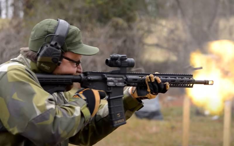 «AR-15 не опаснее швейцарского армейского ножа»: Суд в Калифорнии отменил запрет на штурмовое оружие
