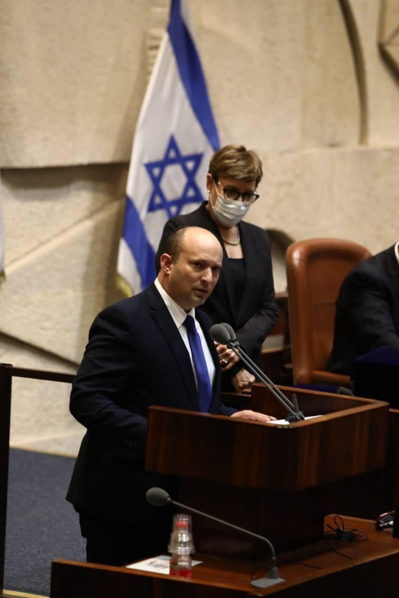 Парламент Израиля утвердил нового премьера, Нетаньяху ушёл в оппозицию