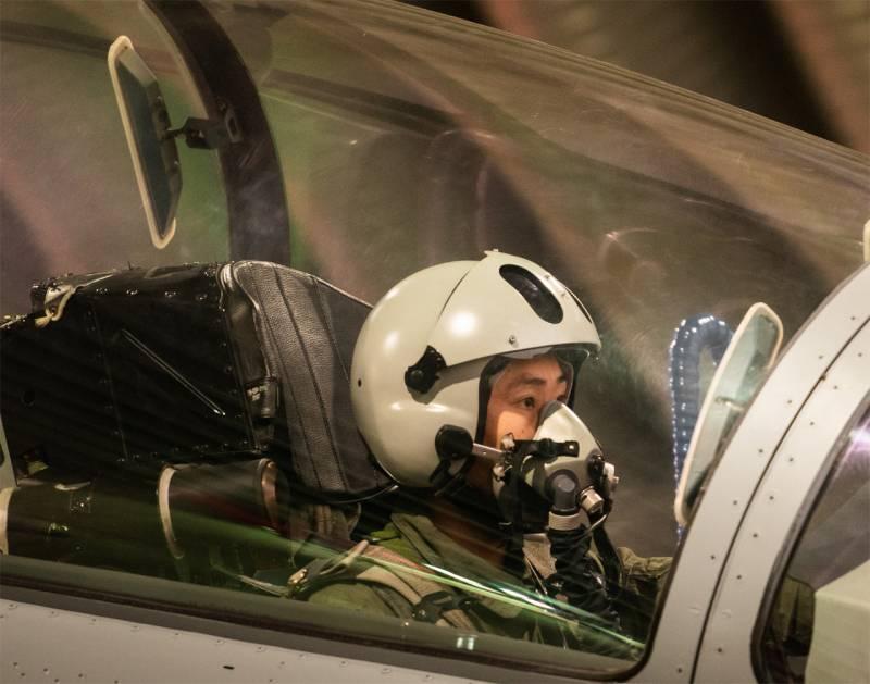 В китайском медиа: В Индии видят стелс-бомбардировщики Xian H-20, хотя их не видят в своём составе даже наши ВВС