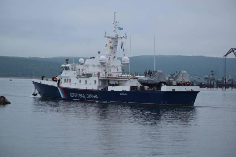 Два пограничных сторожевых корабля проекта 10410 «Светляк» вышли на ходовые испытания во Владивостоке