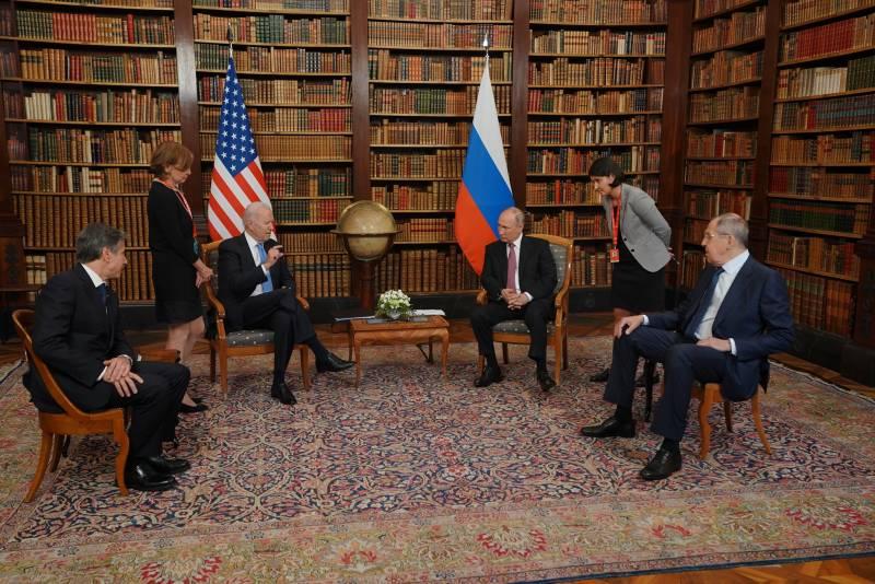 Журналист проиллюстрировал встречу Путина и Байдена кадрами с Паниковским и Балагановым из «Золотого телёнка»