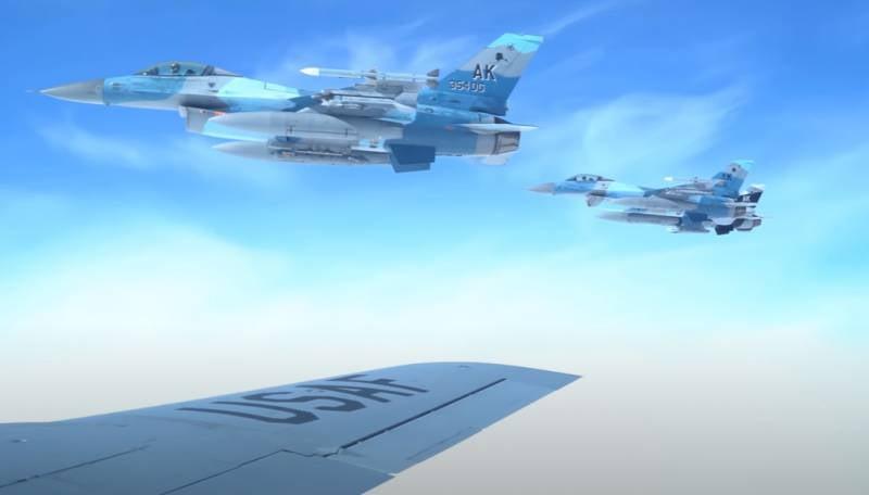 Эксперты обсуждают вопрос о возможности перенять опыт ВВС США по перекрашиванию самолётов в камуфляж противника