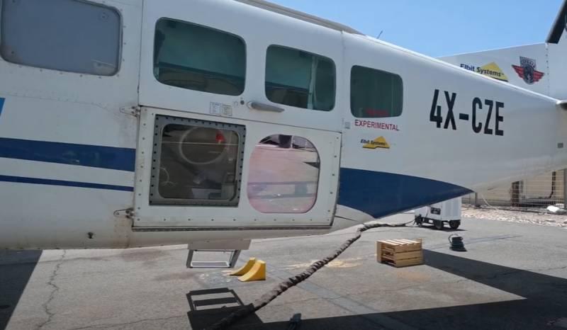 В Израиле показали испытания боевого лазера на борту одномоторного самолёта