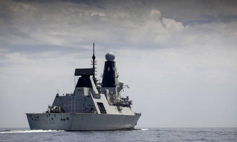 «Никакого нарушения морских границ России не было»: министр обороны Британии об эсминце HMS Defender