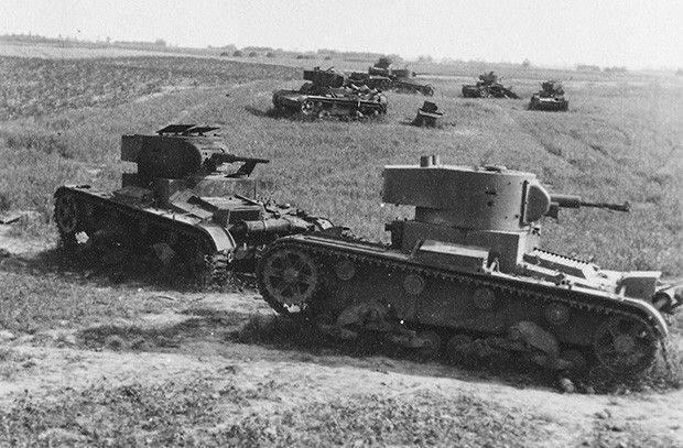 勝利の保証として負ける。 戦争初期の最大の戦車戦