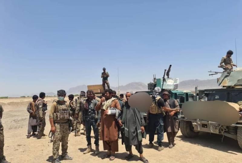 Талибы ведут уличные бои с афганской армией в Кандагаре