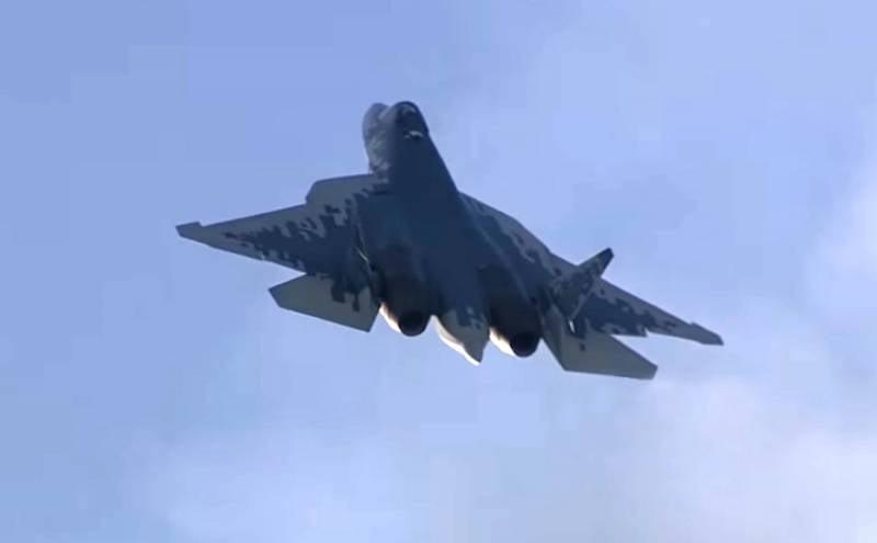 Глава ОАК анонсировал начало ОКР по созданию новых версий истребителя пятого поколения Су-57