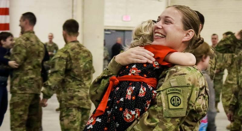 Корпус морской пехоты США проводит реформу причёсок для женщин-военнослужащих