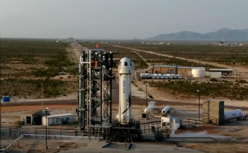 Джефф Безос совершил успешный полёт в космос на многоразовой ракете New Shepard