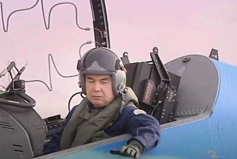 В прессе Туркменистана объяснили полёт президента Бердымухамедова в кабине лёгкого штурмовика Aermacchi M-346