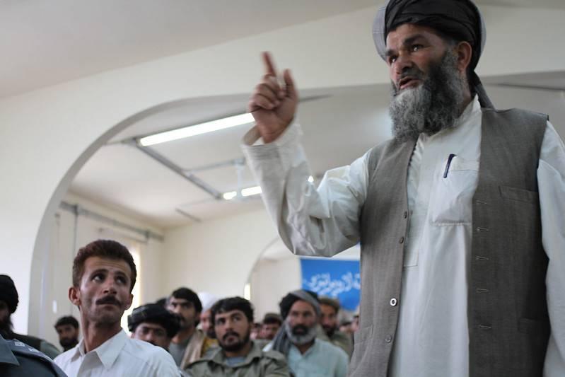 Под давлением США Кабул освободил несколько тысяч пленных талибов