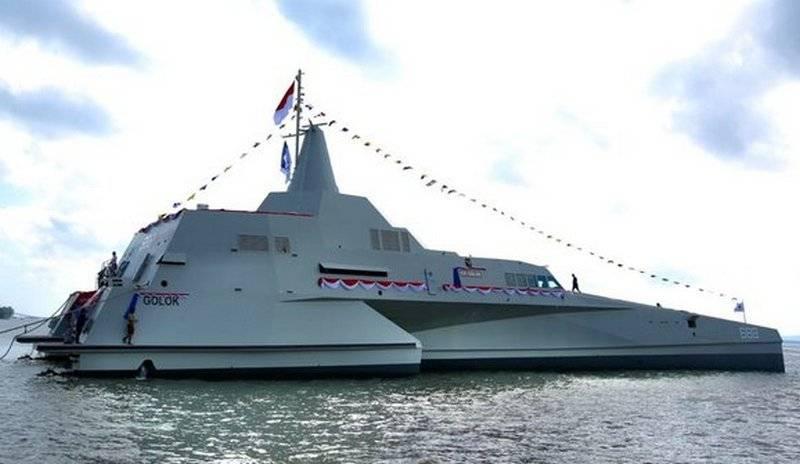 Ракетный «стелс»-тримаран спущен на воду в Индонезии
