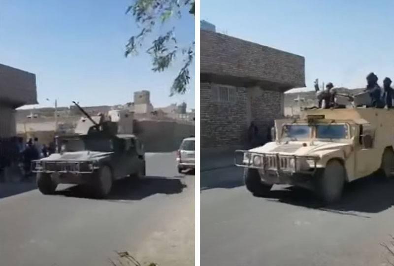 На ТВ США о талибах: Они уже размахивают американскими винтовками M16 и едут на американских «Хаммерах»