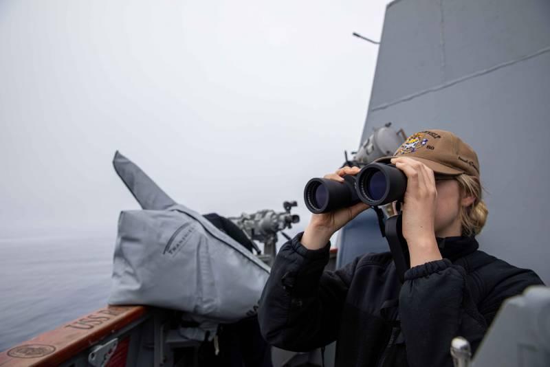 Адмирал ВМС США назвал условия для открытия огня по российским кораблям и самолётам