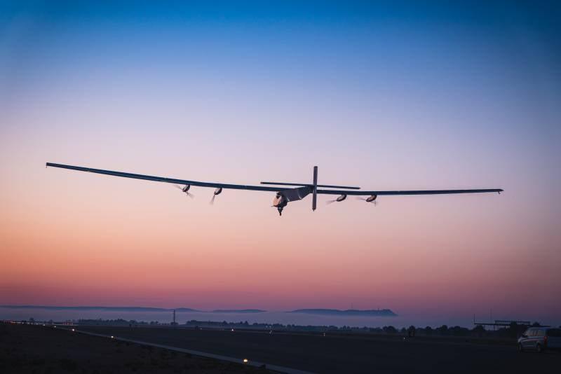 Самолет Solar Impulse 2 станет «атмосферным спутником» для ВМС США