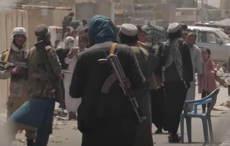 Американский морпех в Кабуле о ситуации вокруг аэропорта: У них оружия в десятки раз больше, чем в арсенале нашей базы