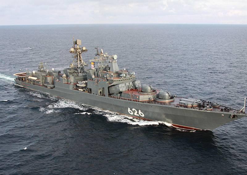 «Алжир вместо Сеуты»: Отряд кораблей Северного флота встал на стоянку в порту столицы одноименного государства