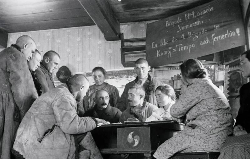 «Есть случаи восхваления Гитлера»: 80 лет депортации немцев