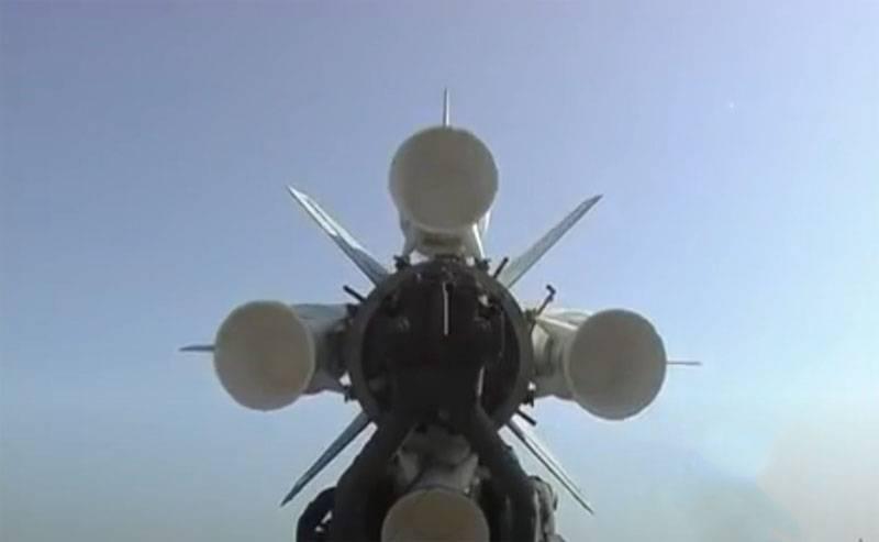 انفجارات فوق تل أبيب: القيادة الإسرائيلية تتحقق مما إذا كانت صواريخ أنظمة الدفاع الجوي السورية يمكن أن تكون في سماء إسرائيل