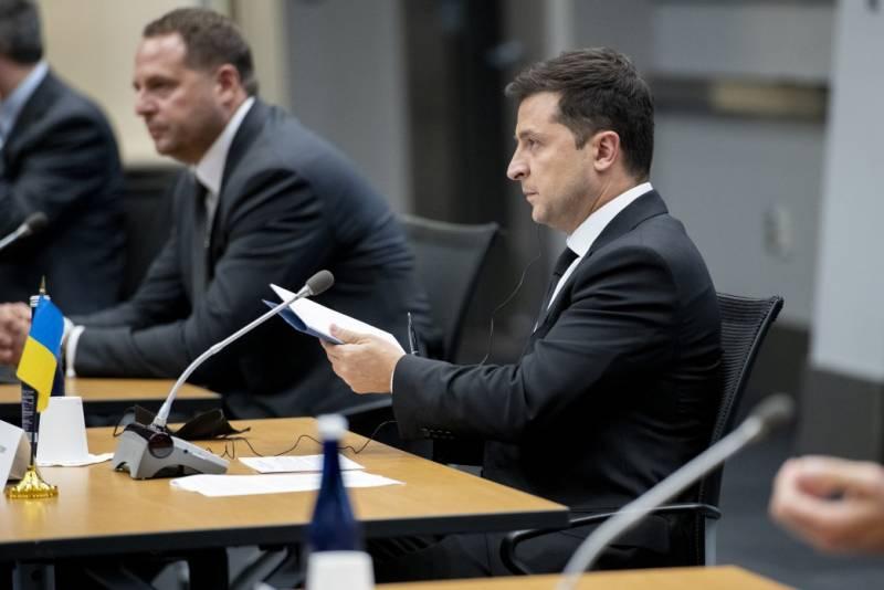 Глава Пентагона пообещал Зеленскому поставку очередной партии ПТРК Javelin