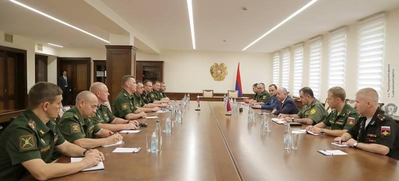 Российские военные специалисты посетили Ереван для обсуждения модернизации вооруженных сил Армении