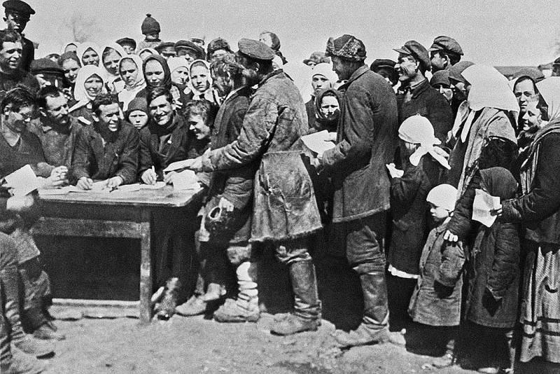 Советское крестьянство 20–30-х годов: от трагического до смешного