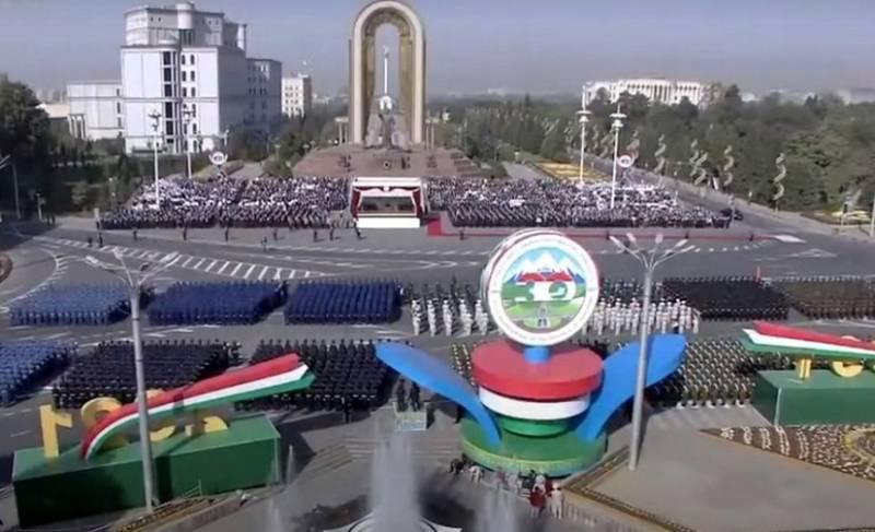Парад в честь 30-летия независимости Таджикистана провели без показа военной техники