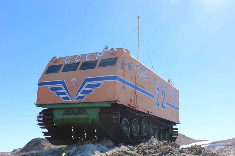 Корабли Антарктиды: «С нами бог, парторг и «Харьковчанка»