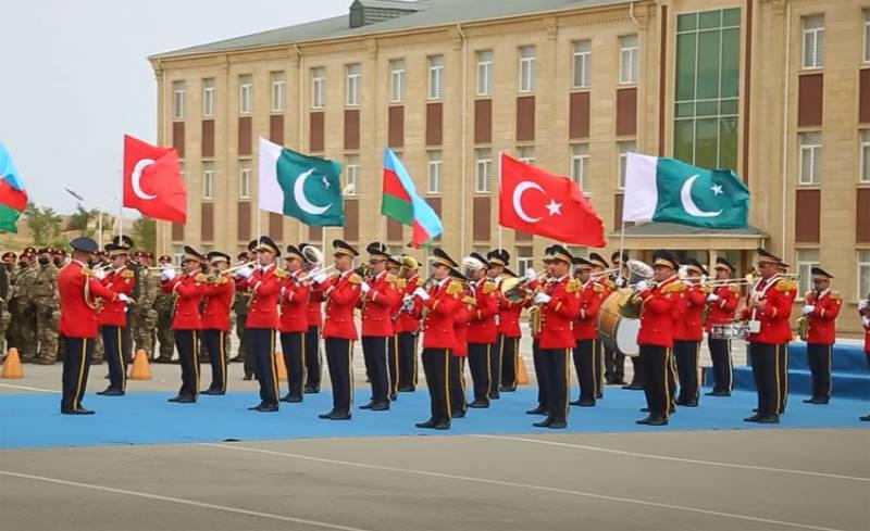 Спецназ Азербайджана, Пакистана и Турции проводит учения «Три брата-2021» с отработкой боёв в условиях имитации городской застройки