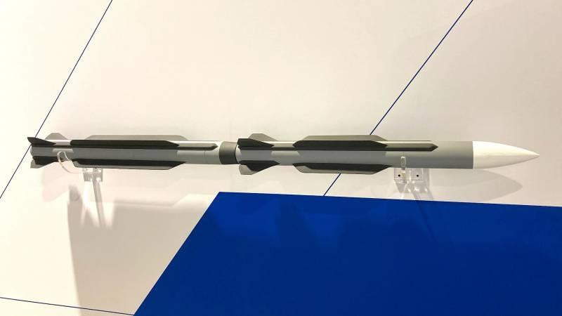 Boeing LRAAM: концепт ракеты воздух-воздух для замены AMRAAM