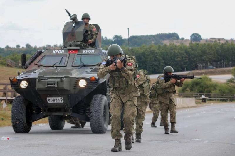 Турция ввела в Сирию дополнительный военный контингент