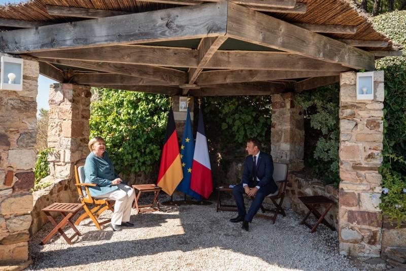 Военный союз AUKUS показывает «закат Европы»