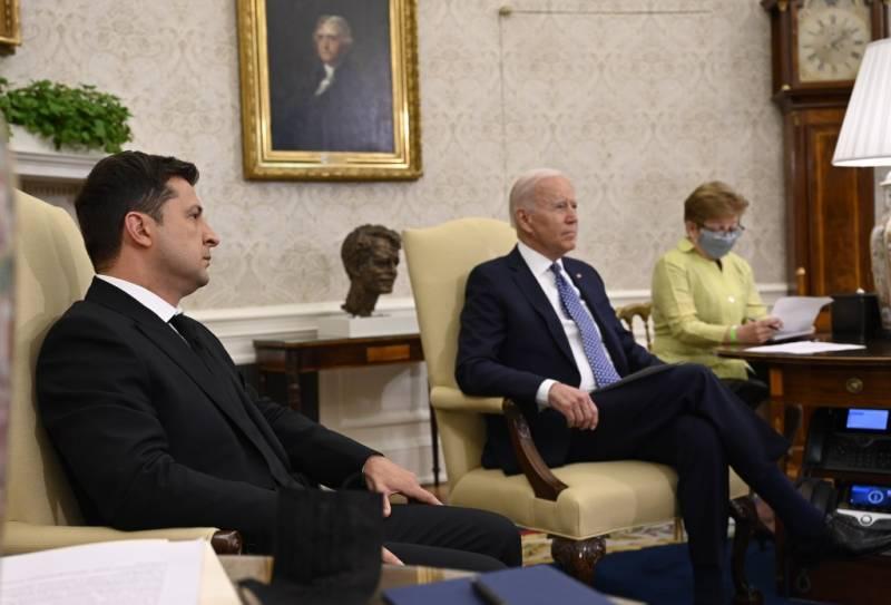 Экс-советник Буша: В Вашингтоне устали от Украины