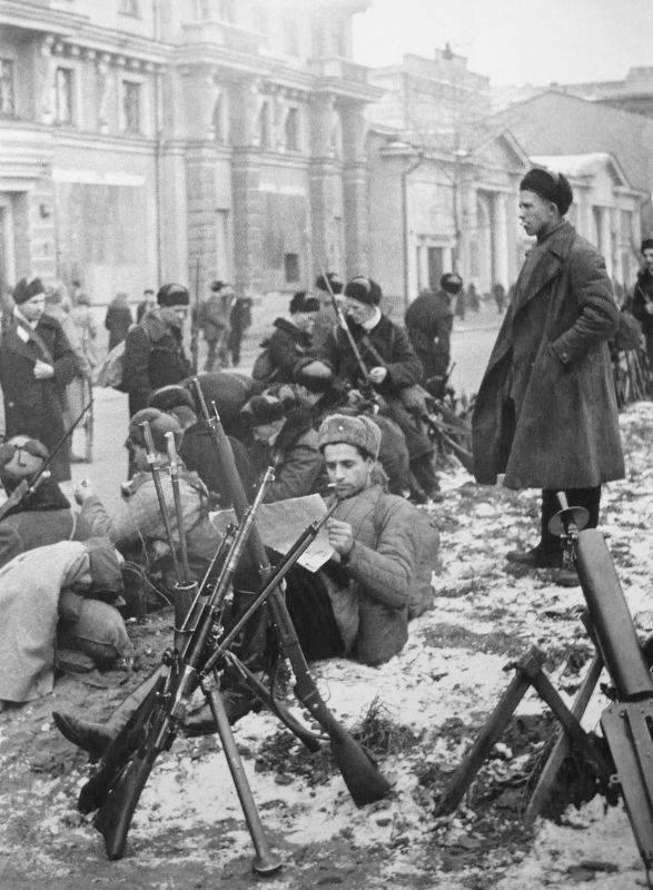 Никогда не сдаваться! Московская паника 15–16 октября 1941 года