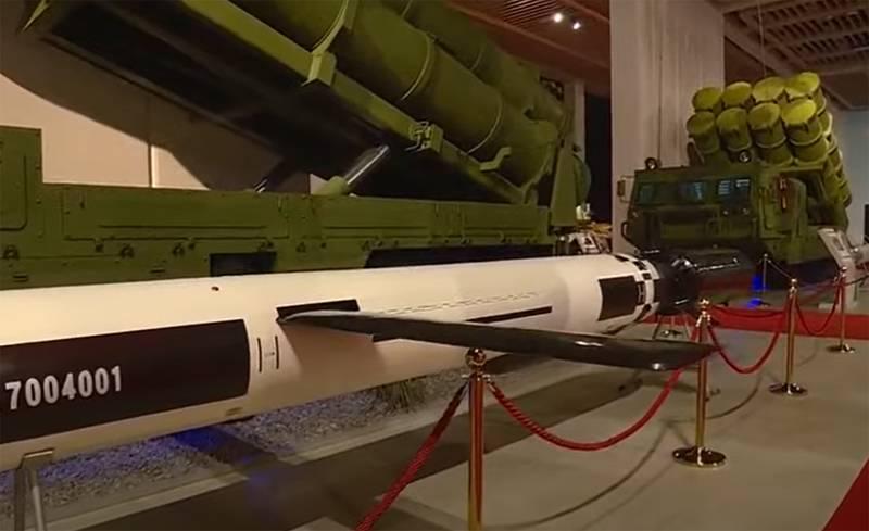 Новый ОТРК, береговой ракетный комплекс и другое вооружение: в КНДР показали церемонию открытия форума «Самооборона-2021»